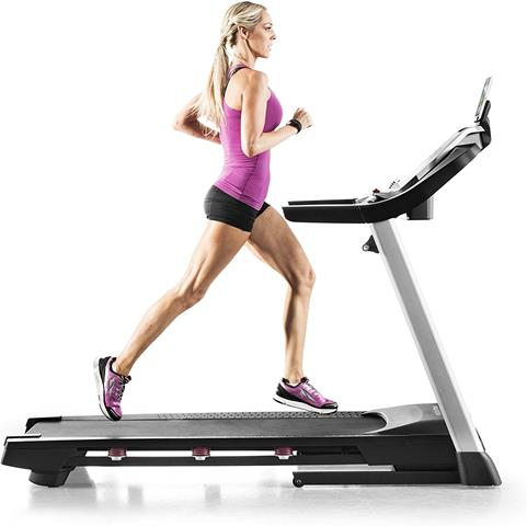 How to Stay Motivated While Running On the Treadmill