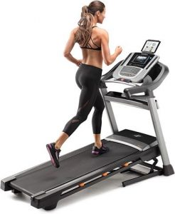 Ways to Stay Motivated While Running On the Treadmill